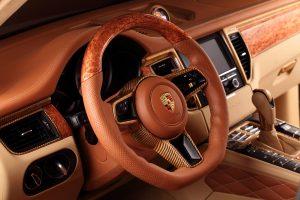 intérieur voiture bois
